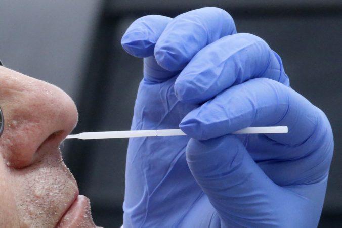 Koronavírus: Na Slovensku pribudli dvaja nakazení, ale kĺzavý medián zostal na hodnote 13