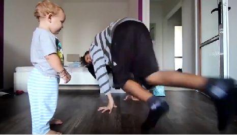 otecko a dieťa tanec