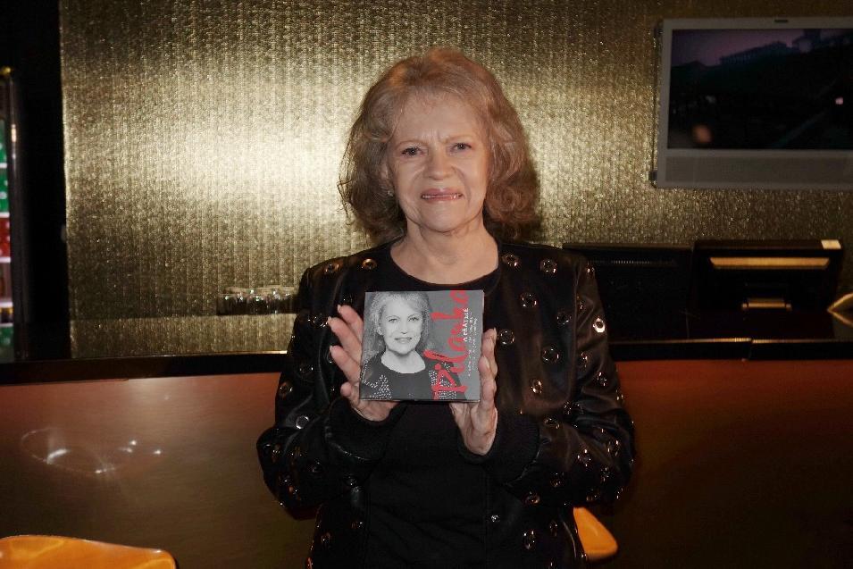 Vo veku 80 rokov zomrela česká speváčka Eva Pilarová