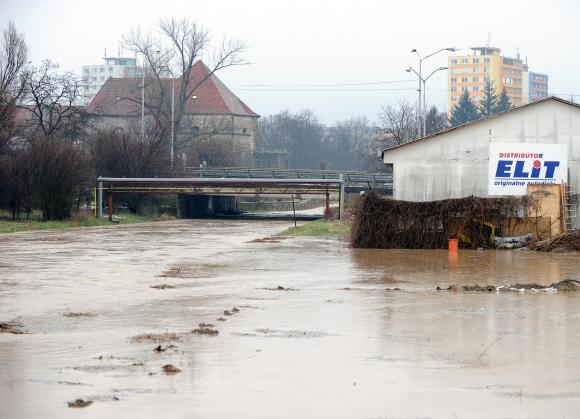 Povodňová situácia v Leviciach