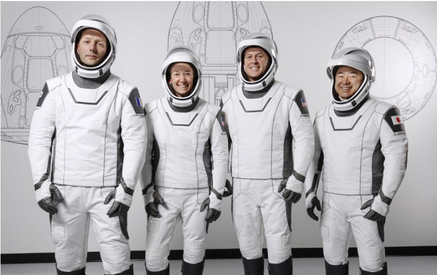 Kapsula Crew Dragon s novou posádkou sa úspešne pripojila k ISS