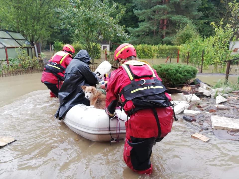 SHMÚ vydal výstrahu prvého stupňa pred povodňami na celé územie západného a stredného Slovenska.