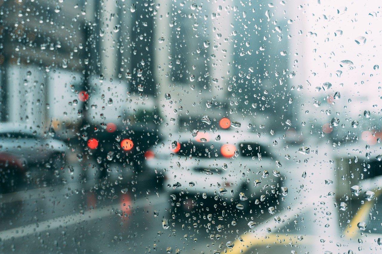 Prísnejšie emisné normy môžu zakázať autá so spaľovacím motorom