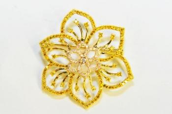 zlatý narcis s diamantmi
