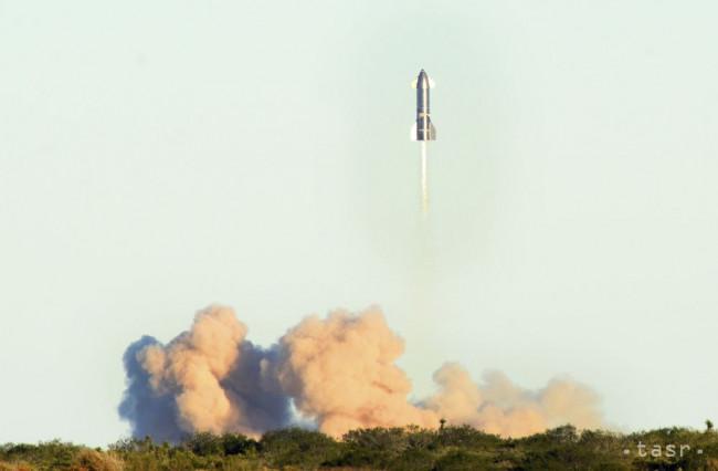 FOTO: Raketa Starship dosiahla výšku 12,5 km, pri pristátí vybuchla