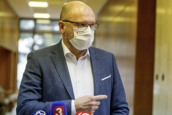 Richard Sulík hovorí, že na pondelkovom rokovaní vlády došlo k nedorozumeniu, ktoré ho mrzí.
