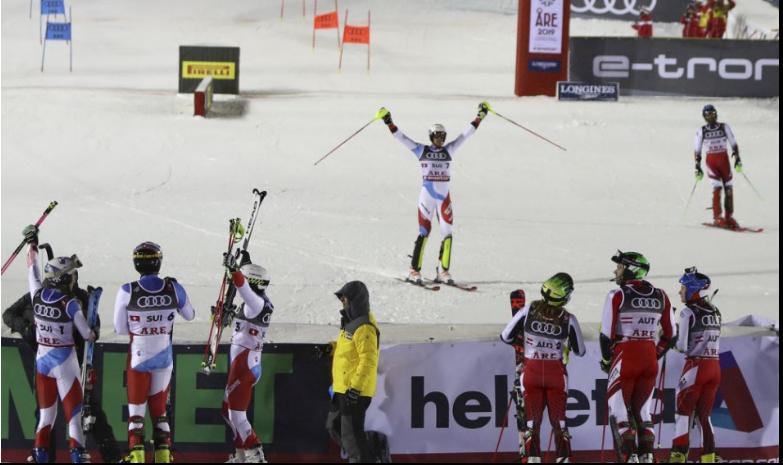 Vo Švajčiarsku povolia divákom vstup na lyžiarske podujatia