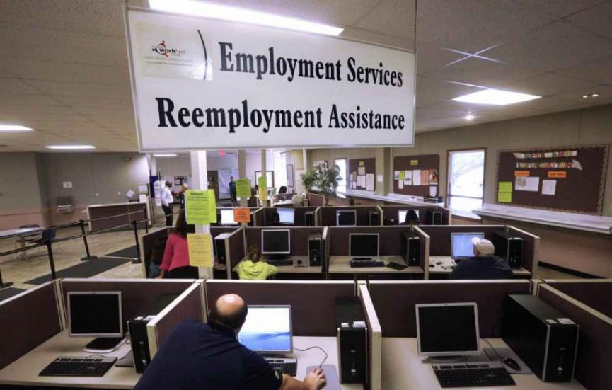Milióny Američanov, ktorí sú bez práce, stratia nárok na pomoc