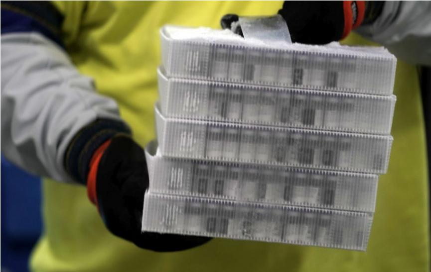 EMA: Vakcína od Pfizeru môže byť skladovaná v chladničkách až mesiac