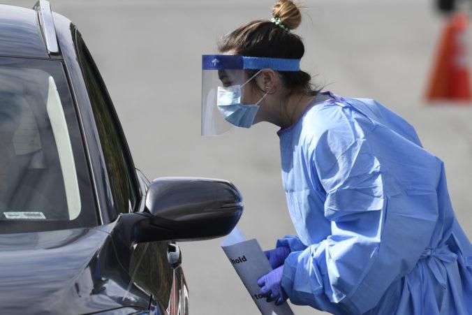 Koronavírus: Prípadov na Slovensku je cez 400, v Česku stúpol počet obetí a USA ich majú skoro 5000 (online)