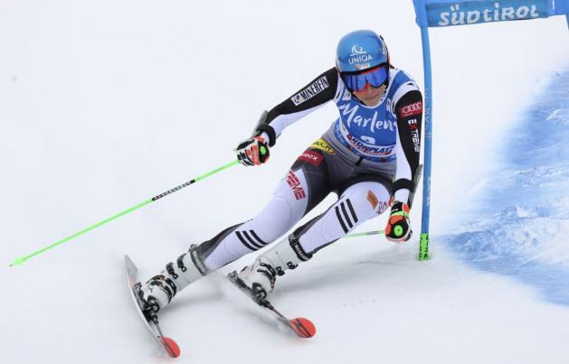 Vlhová v 1. kole obr. slalomu v Kronplatzi deviata, na čele Gisinová