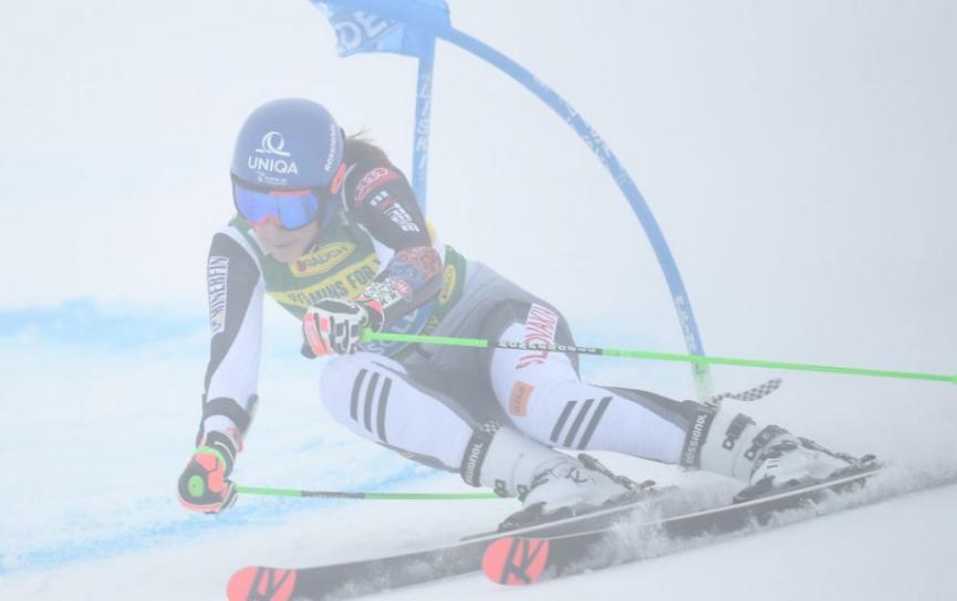 Vlhová skončila v 1.kole obrovského slalomu s dvojsekundovou stratou