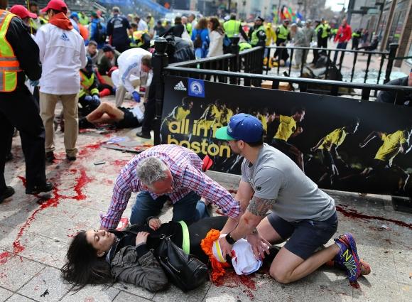 Obrazom: Výbuch bomby v Bostone