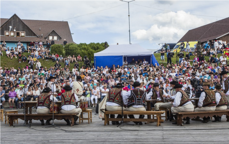 Folklórny festival Východná 2021 bude online aj vo vysielaní RTVS
