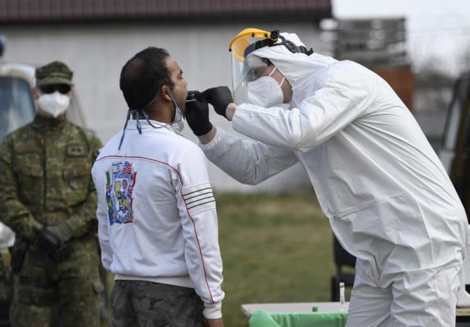 Koronavírus: Na Slovensku je takmer 700 nakazených, Matovič uzavrel päť rómskych osád a počet obetí v Česku prekročil stovku (online)
