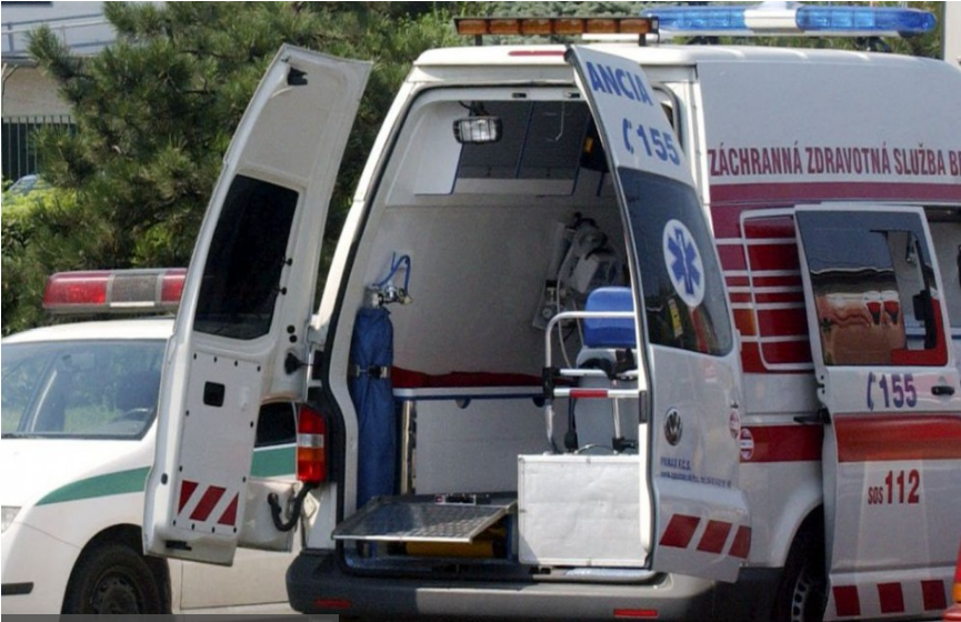 NEŠŤASTIE: V Petržalke zomrelo po páde z 11. poschodia dieťa