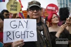 Gay sexuálne zranenia veľký péro otecko a syn